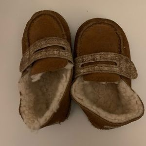EUC Infant Ugg slippers. Around size 5